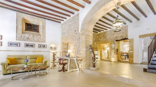Stately, completely reformed town house with rental license for sale in Pollensa, Mallorca