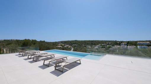 Great modern villa in Manacor with panoramic views and private pool