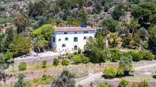 Emblematic finca from the XVIIIth century with beautiful views over the Sóller valley