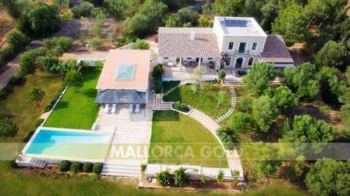 Elegant luxurious finca with lots of privacy close to the dream beach Es Trenc