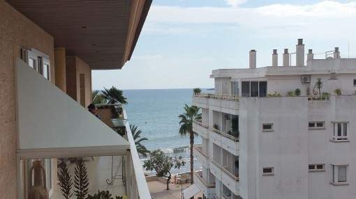 Beautiful apartment right on the sea front in Cala Millor