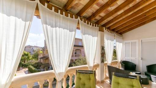Spacious duplex apartment in Can Picafort in a Mediterranean residential complex with pool