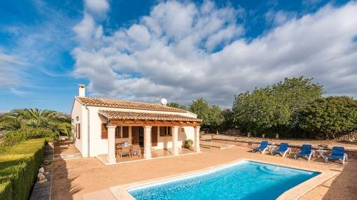 Charming finca with sea view situated close to the beach in Cales de Mallorca