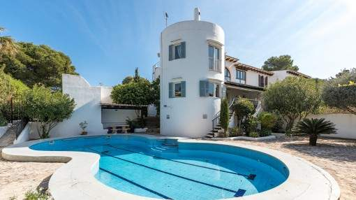 Spacious villa with holiday rental license close to the beach on Porto Colom's peninsula Sa Punta
