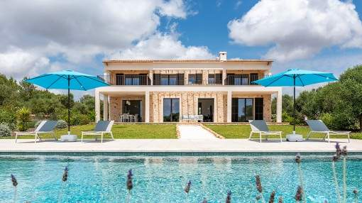 Elegant, high-quality natural stone finca with panoramic views of the island Cabrera