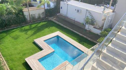 Small, cosy one bedroom apartments in residential community with pool and sea view in Cala Millor
