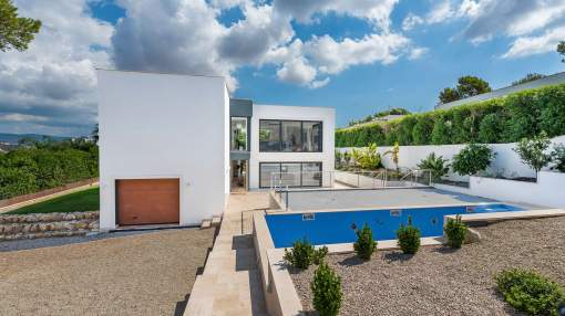 Sea view villa with state-of-the-art features in Nova Santa Ponsa