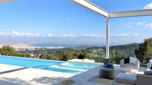 Outstanding villa with magnificent far reaching panoramic views